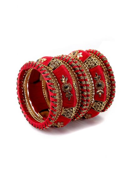 Kundan Embellished Bangle Set